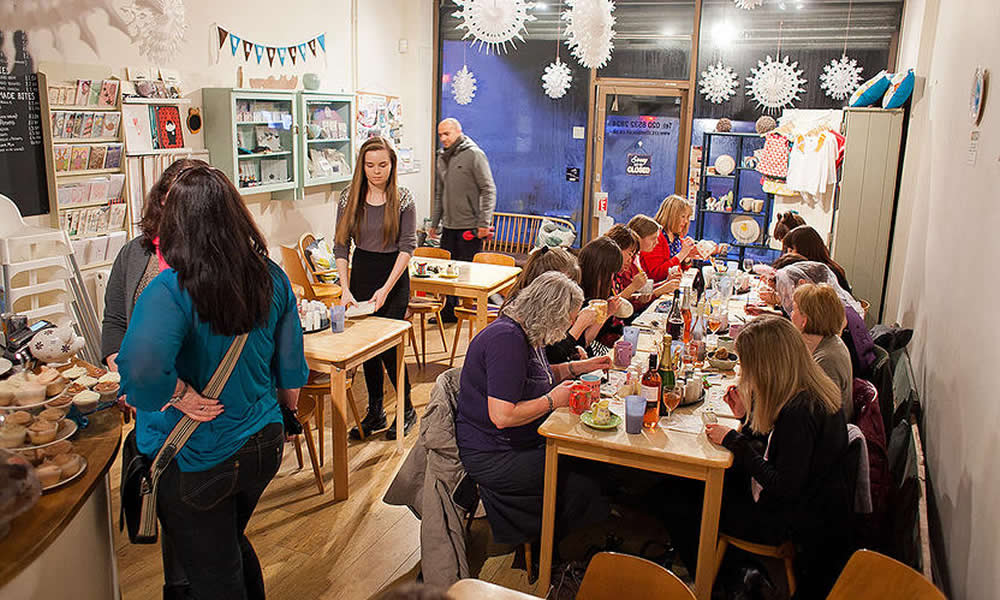 Creative Biscuit Ceramics Cafe - South Woodford - image 0