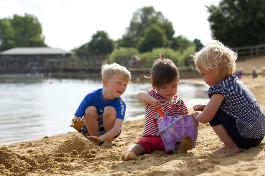 Cotswold Country Park and Beach - Cirencester - image 1